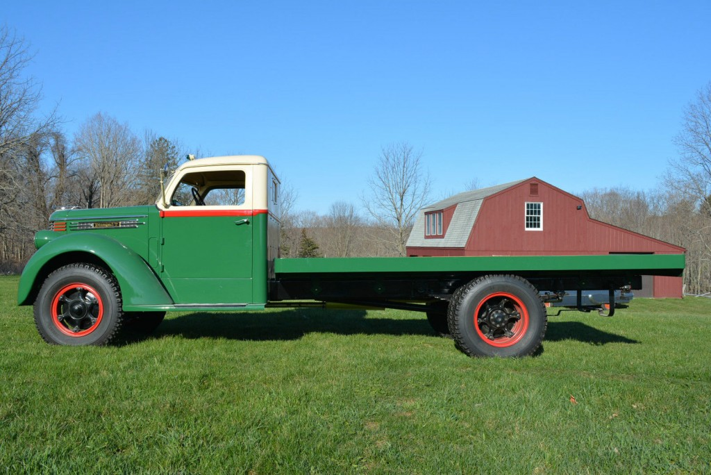 1938 Diamond T 306 Farm Truck