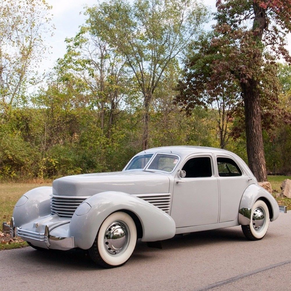 STUNNING 1937 Cord 810 Westchester Sedan