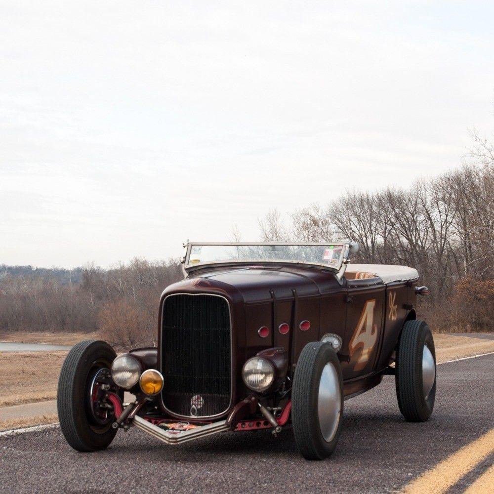 1932 Ford Deluxe Phaeton Hotrod