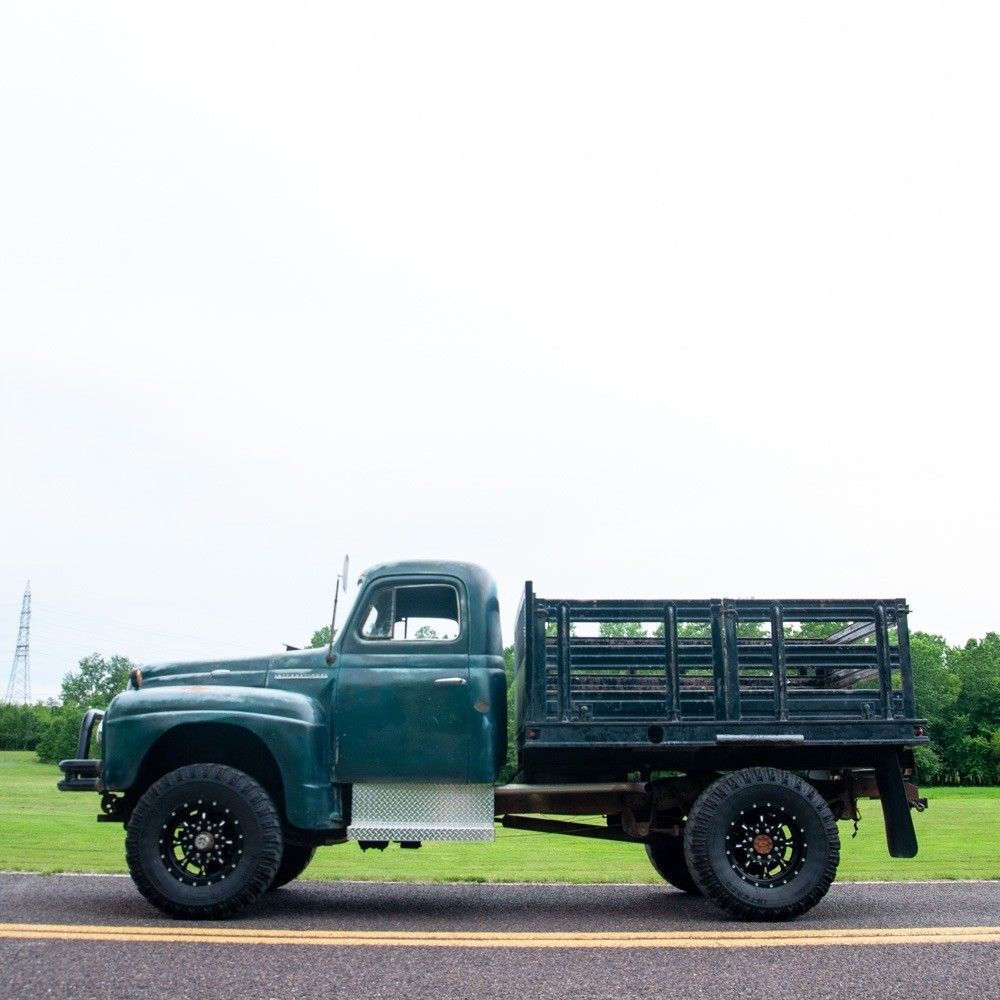 1951 International Harvester L 162 4×4 Stake Bed Truck